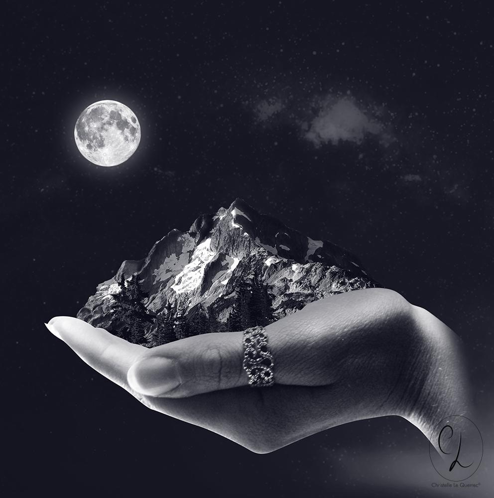Photomontage Montagne dans le creux d'une main